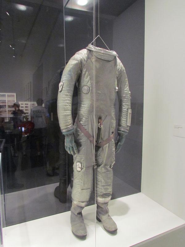 2001-spacesuit