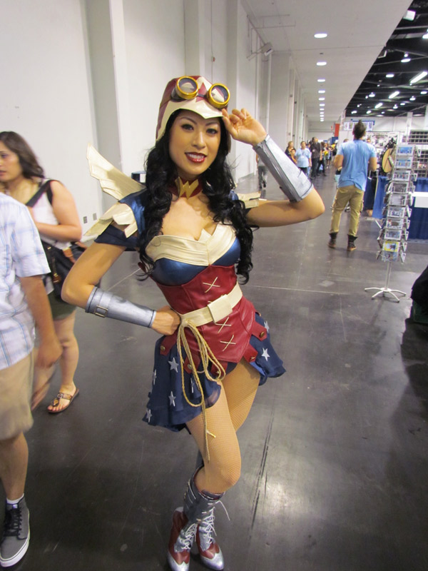 wonder-woman-bombshell-1