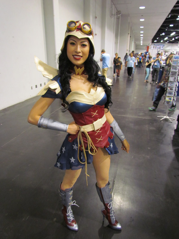 wonder-woman-bombshell-2