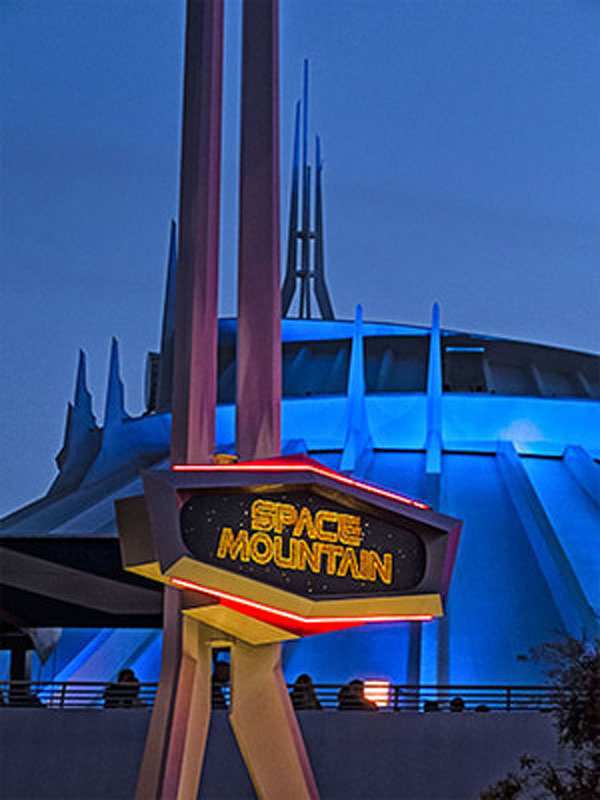 disneyland-space-mountain-1